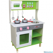Cucina in legno verde