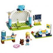 L'allenamento di calcio di Stephanie 41330