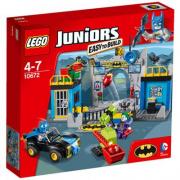10672 Lego Juniors -  Batman Attacco alla Batcave 4-7 anni